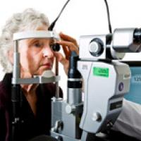 Patient undergoes and eye exam. Courtesy National Eye Institute.